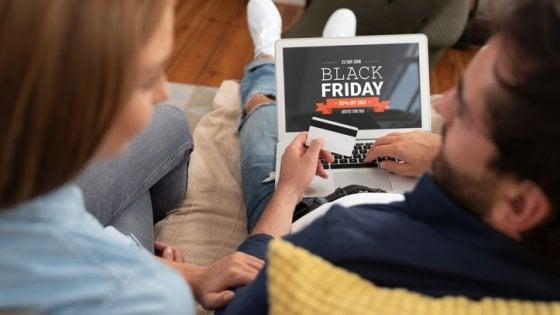 Black Friday: gli italiani spendono 1,3 miliardi