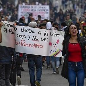 Colombia, la guerra delle Farc è ricominciata tra proteste popolari, repressioni violente contro i nativi