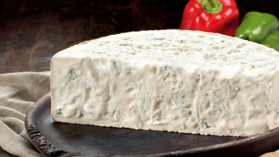 Gorgonzola, che passione: dolce o piccante, ecco quale scegliere