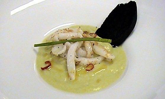 La ricetta: crema di broccolo romanesco con nastri di calamaro