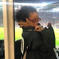 Juventus-Atletico, allo Stadium c'è Rihanna con la maglia bianconera