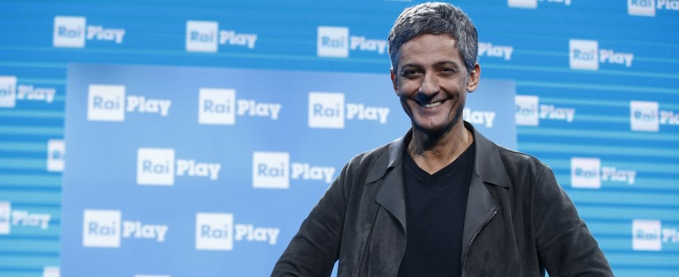 """Fiorello, da 'Viva Asiago10!' l'appello per sostenere la carta stampata: """"Acquistate i giornali"""""""