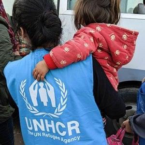 Siria, altri disastri e nuove ondate di sfollati a un mese dall'inizio delle operazioni militari nel Nord Est