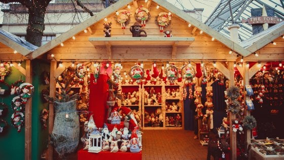 Il lavoro da sogno per Natale: pagati per visitare i mercatini natalizi di Praga, Vienna, Budapest e Bratislava