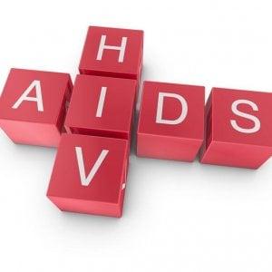 Aids, l'allarme dell'Oms: diagnosi tardiva per una donna europea su due