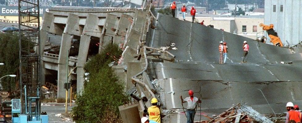 Si possono rilevare i terremoti con cavi in fibra ottica sottomarini. Quelli di internet