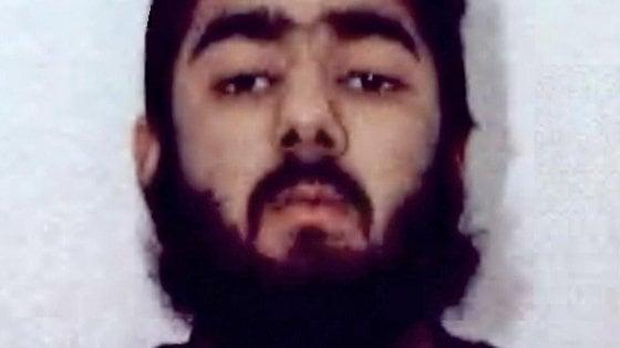 London Bridge, attentatore già condannato per terrorismo nel 2012. L'Isis rivendica l'attacco