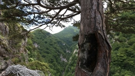 Scivolano in un dirupo, muoiono due escursionisti sulla Maiella