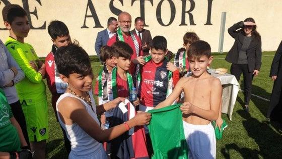 I ragazzi del Cagliari a Betlemme, calcio e solidarietà con la Christmas Peace Cup