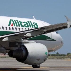 Alitalia, verso un decreto ad hoc: sblocca 400 milioni e lancia piano di tagli