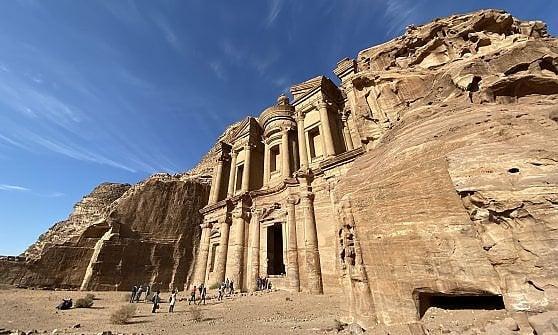 Da Aqaba al Mar Morto. Senza omettere Petra. Le meraviglie del cuore della Giordania