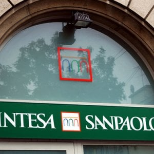 Intesa Sanpaolo, problemi di accesso ai conti correnti online