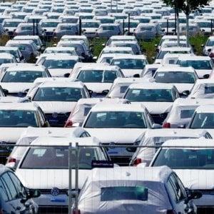 Auto: le vendite salgono ancora, Fca perde quote di mercato
