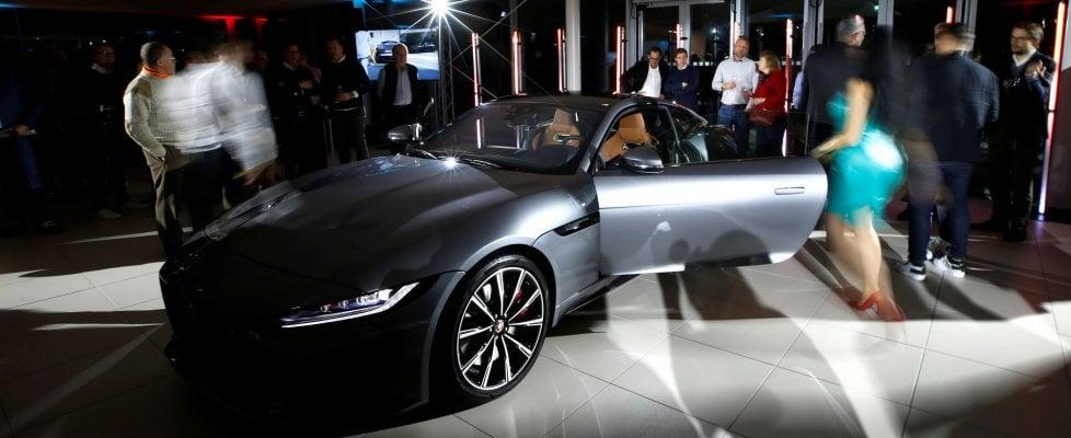 Jaguar rilancia la coupé, sognando la mitica e-type