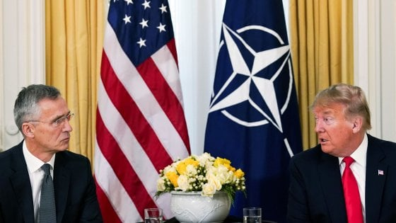 Londra, vertice Nato per i settant'anni: tensioni tra Trump a Macron