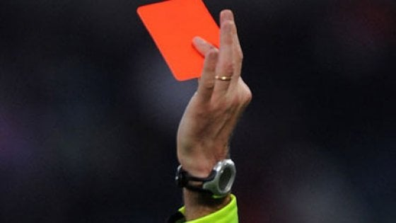 """Umbria, danno dello """"juventino"""" all'arbitro: per il giudice è un'offesa"""