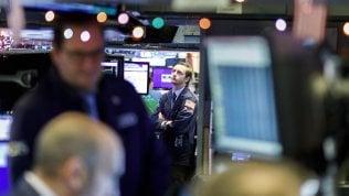 """Borse europee in calo, allarme Fitch sulI'Italia: """"Governo a rischio"""""""