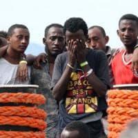 """Migranti, l'Unhcr chiede la chiusura totale dei centri di detenzione in Libia: """"Situazione..."""