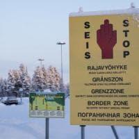 Russia, piazza finti cartelli di confine con la Finlandia per imbrogliare i migranti:...