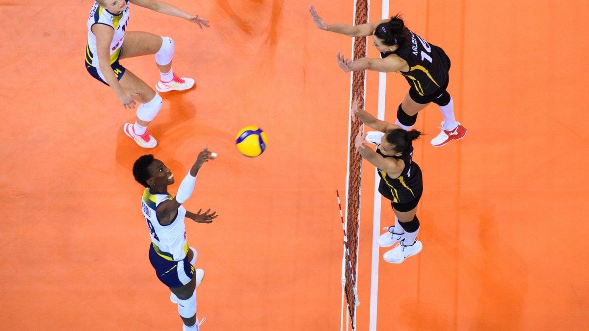 Volley donne, Mondiale per club: Conegliano in finale, ora tocca a Novara