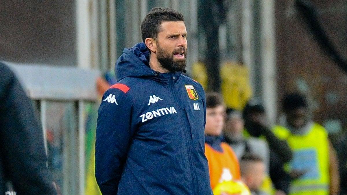 Motta: ''Tutti per lo stesso obiettivo, chi non ama il Genoa si faccia da parte''