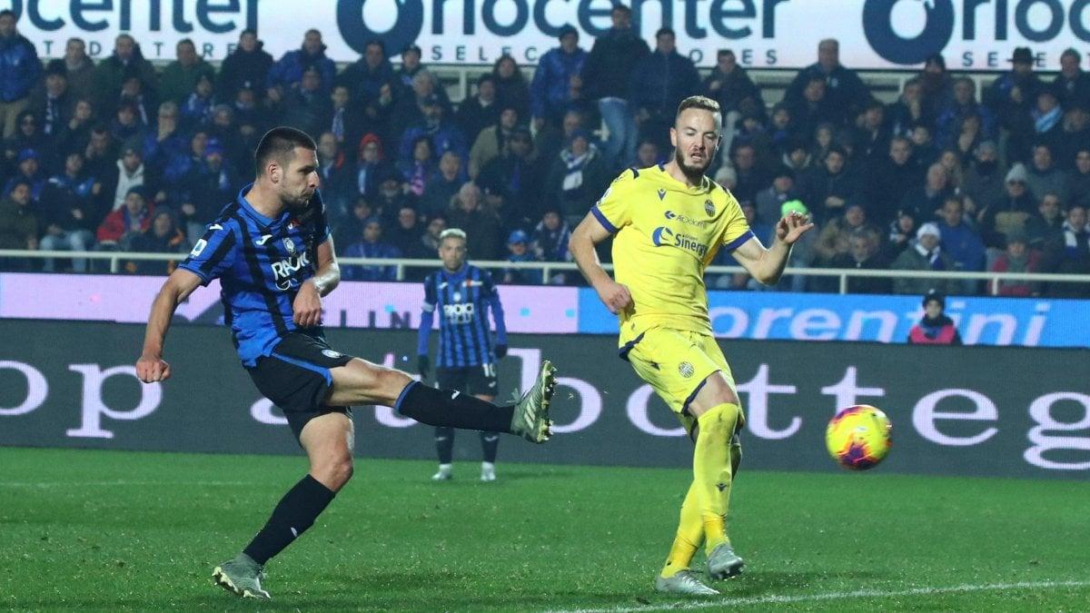 Atalanta-Verona 3-2: Djimsiti piega l'Hellas nel recupero e avvicina ...