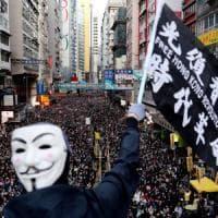 """Hong Kong scende di nuovo in piazza. """"Siamo in 800 mila, per il governo è l'ultima..."""