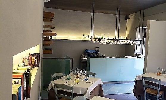 """Milano: da Manna a scoprire la burbera ironia dello chef  """"periferico"""""""