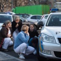 Repubblica Ceca, uccide 6 persone nell'ospedale universitario: braccato dalla polizia,...