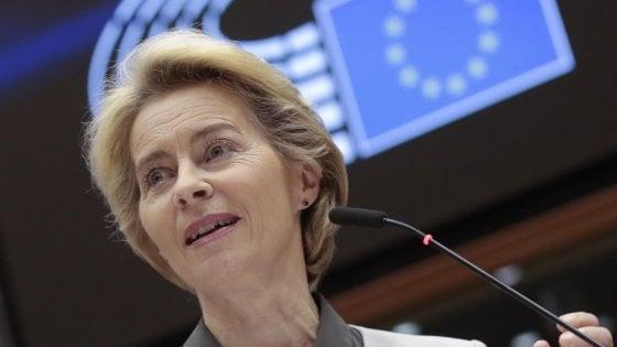 La presidente della Commissione europea, Ursula Von der Leyen, presenta il Green Deal a Bruxelles