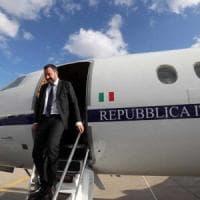 """Indagato Salvini: """"Voli di Stato a fini privati"""""""