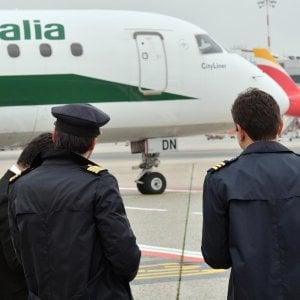 Sciopero del trasporto aereo, 315 voli cancellati da Alitalia: primi disagi da oggi