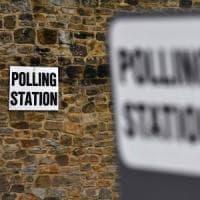 """""""Al seggio con mio figlio, cittadino (anche) del Regno Unito. Questo voto è per tutta..."""