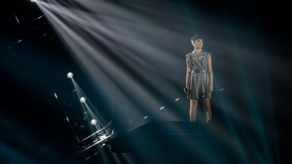 X Factor 13, la finale: vince Sofia, il super ospite Robbie Williams sconvolge la platea
