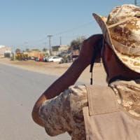 """Libia, Haftar annuncia """"battaglia decisiva"""" per conquistare Tripoli"""
