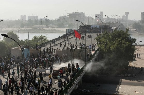 Minacce, sparizioni forzate e violenze: giro di vite in Iraq su attivisti e giornalisti