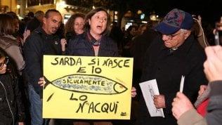 Sardine, oggi in Piazza San Giovanni la prova del nove. E arriva il like di Conte