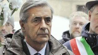 """Il presidente della Valle d'Aosta si dimette. È indagato per rapporti con 'ndrangheta.""""Totalmente estraneo"""""""