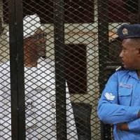 Sudan: ex presidente Omar al Bashir condannato a due anni per corruzione