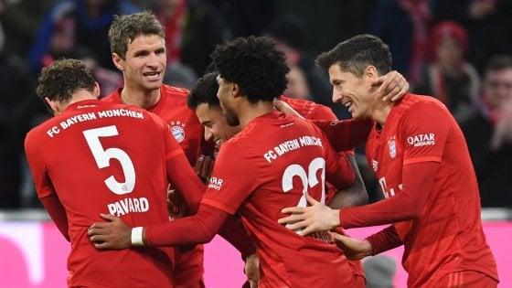 Germania, il Bayern rialza la testa: 6-1 al Werder. Lipsia capolista per una notte