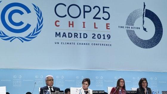 """Cop25, rimandato il nodo delle emissioni: fallita la conferenza di Madrid. L'Onu: """"Un'occasione persa"""""""