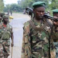 RD Congo, assalto ribelli: 22 persone uccise a colpi machete. È la terza carneficina in...