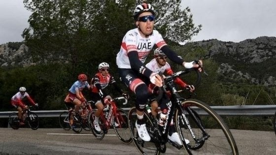 Ciclismo, niente Giro d'Italia per Aru: la UAE Emirates lo manda al Tour