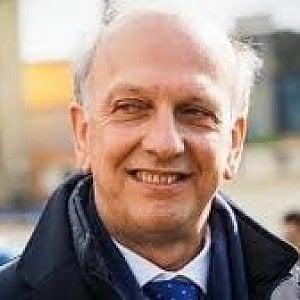 """""""Via anche dal Provveditorato"""". Chieste le dimissioni dell'ex ministro leghista Bussetti"""