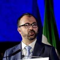 Governo, il ministro Fioramonti si dimette con una lettera a Conte: pochi fondi per...