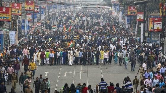 India: dopo l'esclusione, la beffa. Musulmani costretti a pagare una multa salata