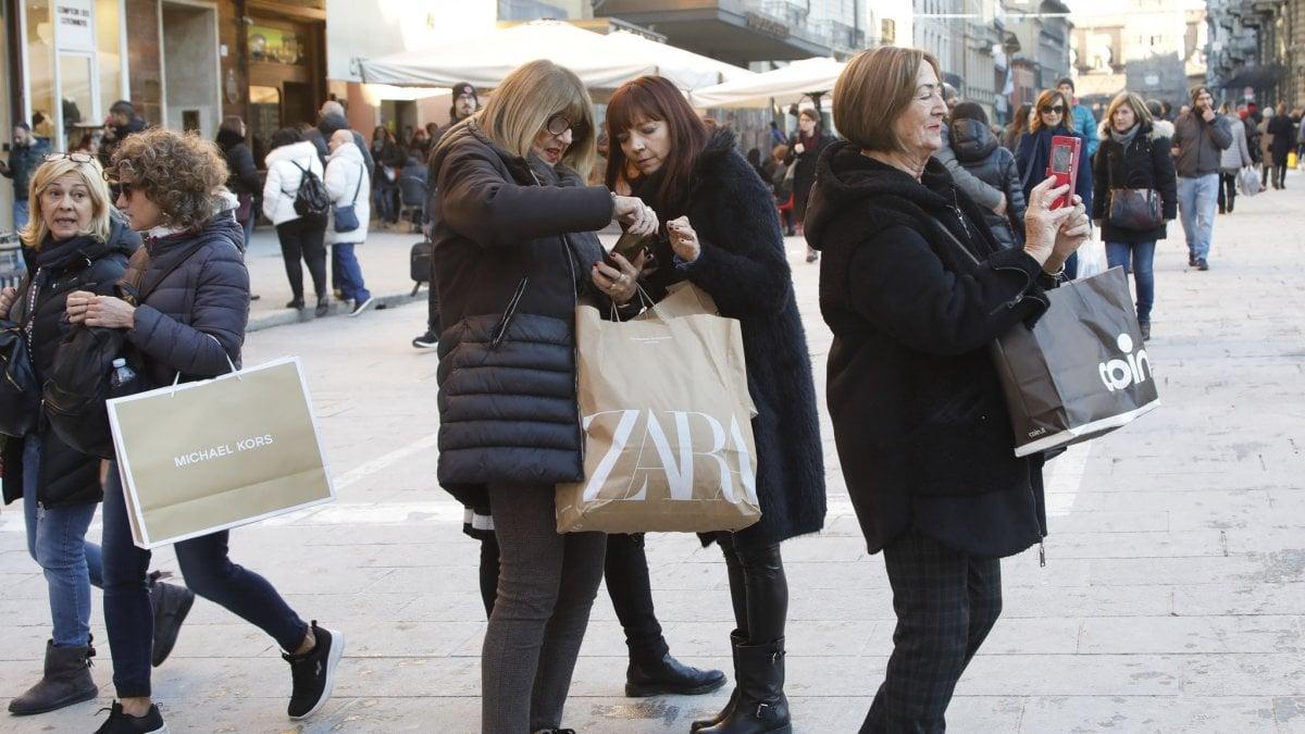Saldi invernali 2020, gli sconti nei negozi iniziano il 4 gennaio