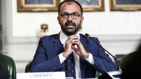 """M5s, l'ex ministro Fioramonti lascia il Movimento: """"Troppi attacchi dai Cinque stelle, delusione è un sentimento diffuso"""""""