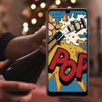 Capodanno: tutti con lo smartphone, ma si brinda senza
