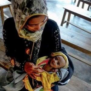 Bangladesh, i radicali islamici bloccano la banca del latte, almeno 30 bambini su 1.000 muoiono dopo il parto: manca il cibo